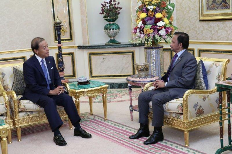 21 August 2019 - HIS MAJESTY THE SULTAN AND YANG DI-PERTUAN OF BRUNEI DARUSSALAM RECEIVES OUTGOING FOREIGN ENVOYS (JAPAN AND CAMBODIA) IN FAREWELL AUDIENCES